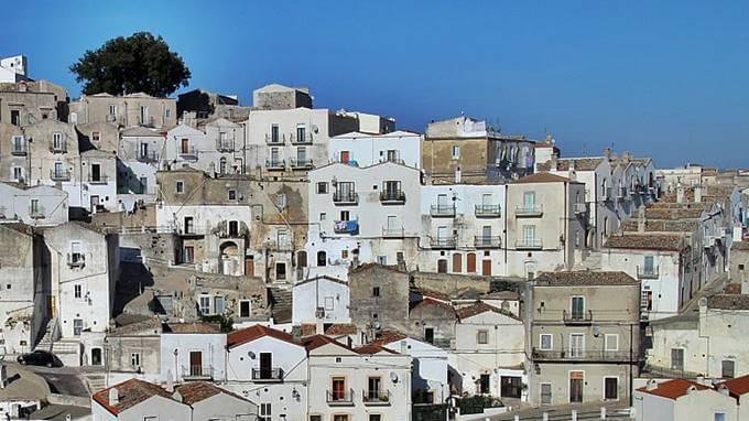 15年以上長持ちする塗料を塗りたいモンテ ・ サンタンジェロの街並み