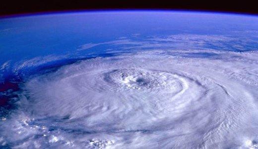 宇宙から見た地球の台風