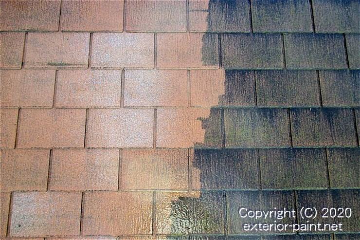 高圧洗浄でコケが落ちた屋根材