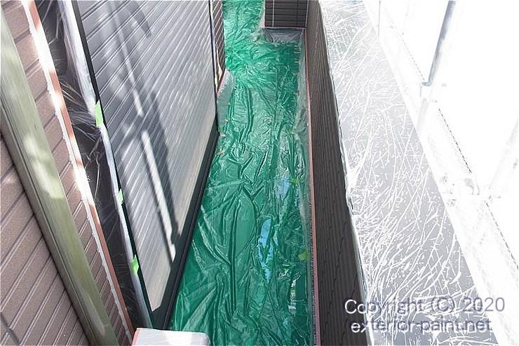 バルコニーの床に敷いているノンスリップ養生シート