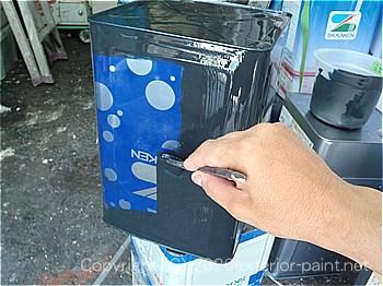 実験用の一斗缶に塗装