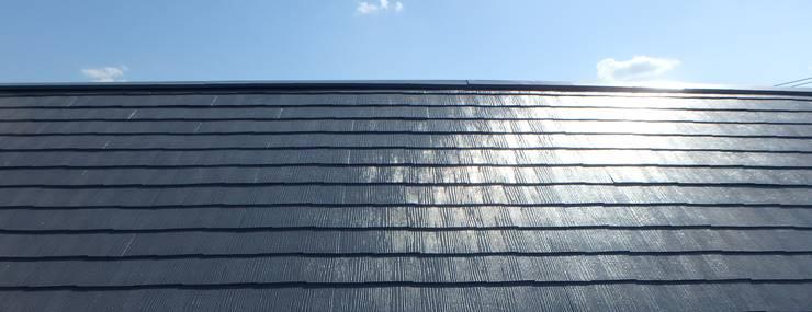 屋根と青空