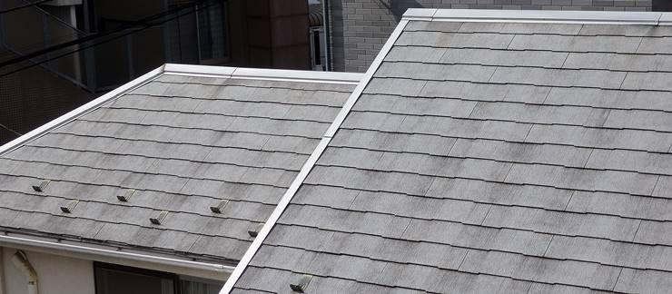 経年劣化したグレーの屋根