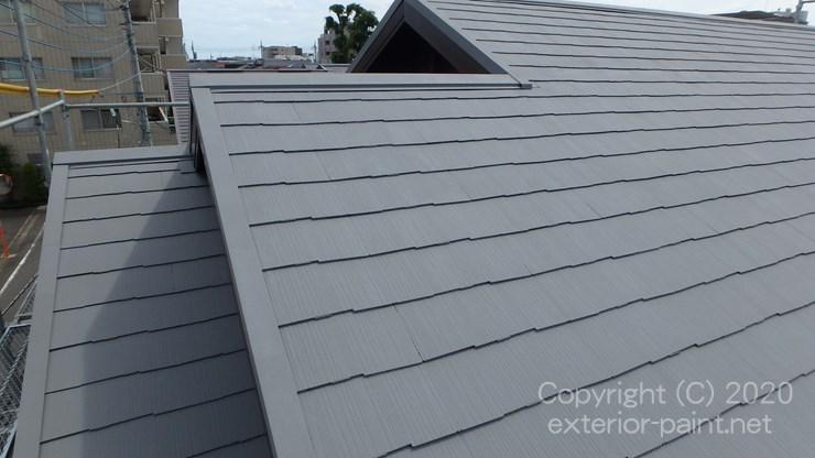 断熱塗料ガイナN-50グレーで塗装した屋根