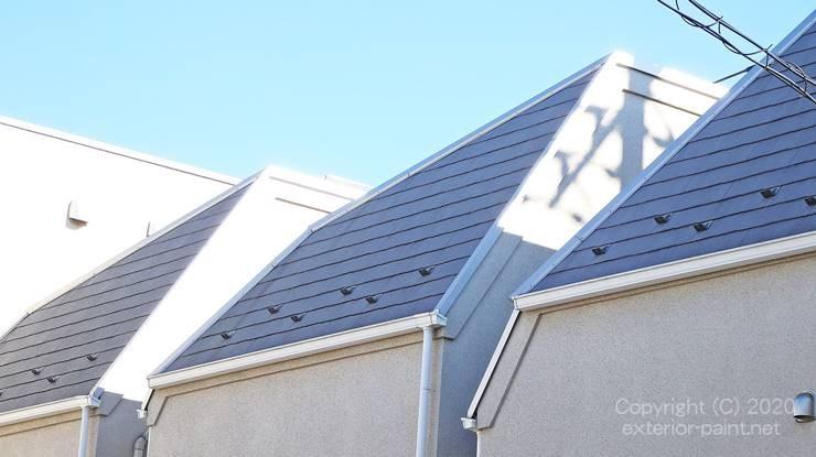 グレーの屋根の戸建て