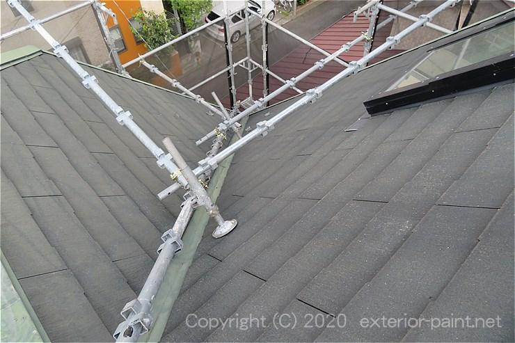急勾配屋根の屋根足場(北面)