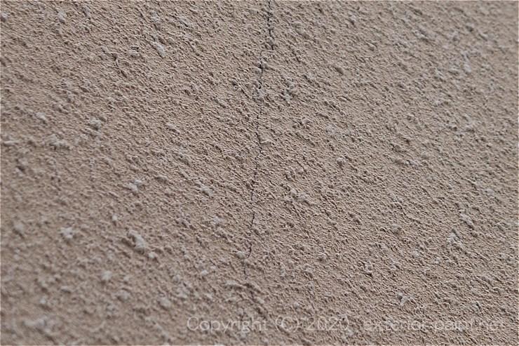 リシン外壁のヒビ