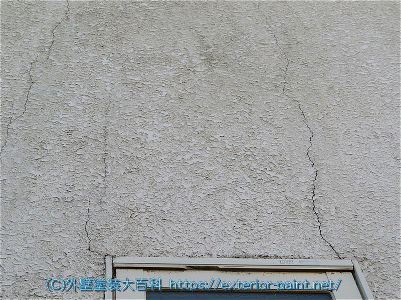 吹付けタイル外壁のヒビ割れ